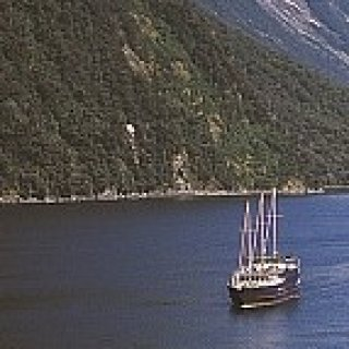 Afbeelding voor Walkabout - Milford Track + Milford Sound cruise
